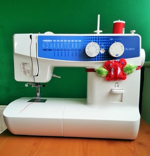 Sewing Machine Pin Cushion – Sewing Bee Fabrics